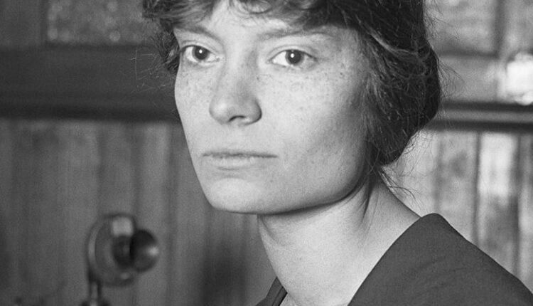 Dorothy_Day,_1916_(cropped) copy